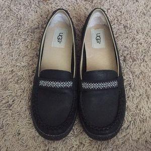 Ugg black loafers. Sz 7.5. EUC!